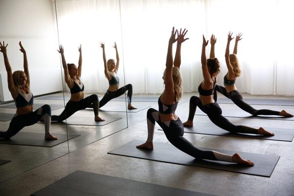 Tập yoga 1