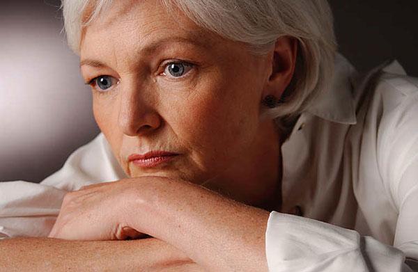 Tại sao phụ nữ tiền mãn kinh, mãn kinh lại hay bị trầm cảm? 1