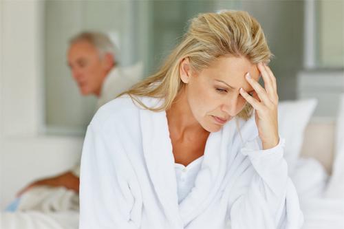 Chóng mặt đau đầu tuổi mãn kinh - Nên làm gì? 1