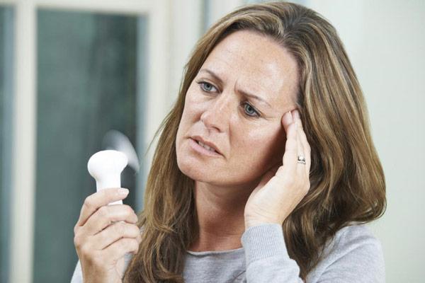 Những triệu chứng, dấu hiệu mãn kinh phổ biến nhất 1