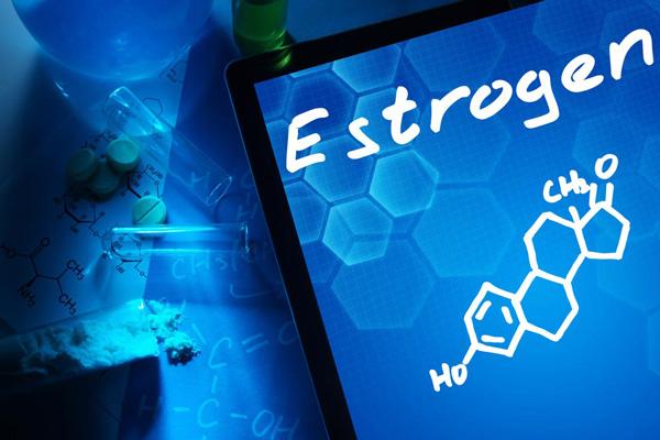 Estrogen suy giảm là nguyên nhân chính dẫn tới thiếu ngủ tuổi mãn kinh (Ảnh minh họa)
