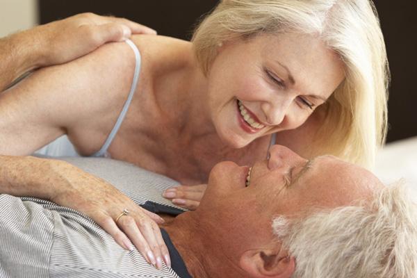 Bước vào tuổi mãn kinh phụ nữ sẽ suy giảm ham muốn?