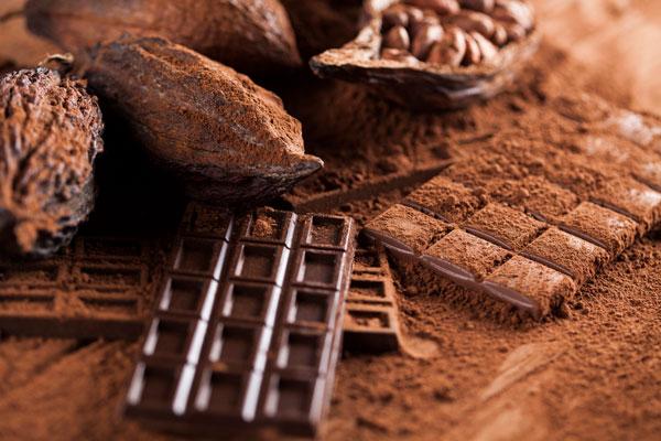 Đau bụng kinh có nên ăn socola không? 1