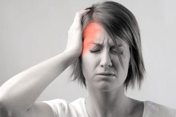 Nhiều nguyên nhân khác nhau dẫn đến rối loạn tiền đình tuổi tiền mãn kinh - mãn kinh, trong đó sự thay đổi về hormone là nguyên nhân chủ chốt (Ảnh minh họa)