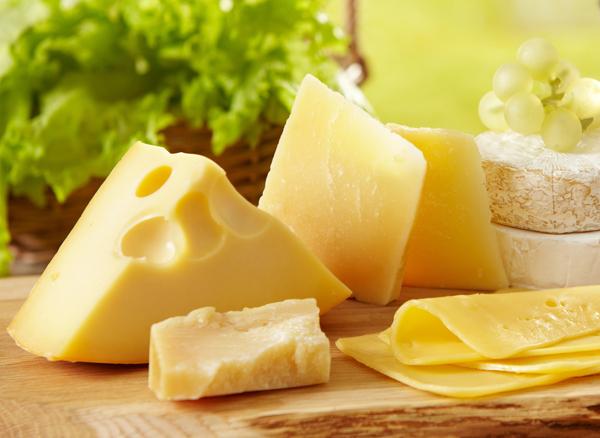 Hạn chế tiêu thụ đồ ăn chứa sữa trong ngày đèn đỏ( ảnh minh họa)