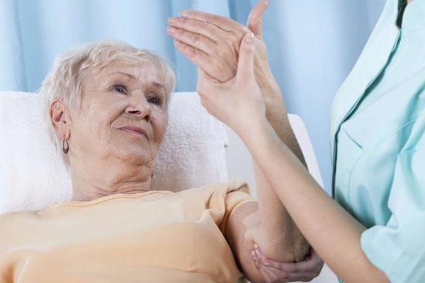 Loãng xương là sự phá vỡ cân bằng vốn có của hai quá trình, đó là tạo xương và huỷ xương, quá trình huỷ xương vẫn tiếp tục trong khi quá trình tạo xương bị kìm hãm.