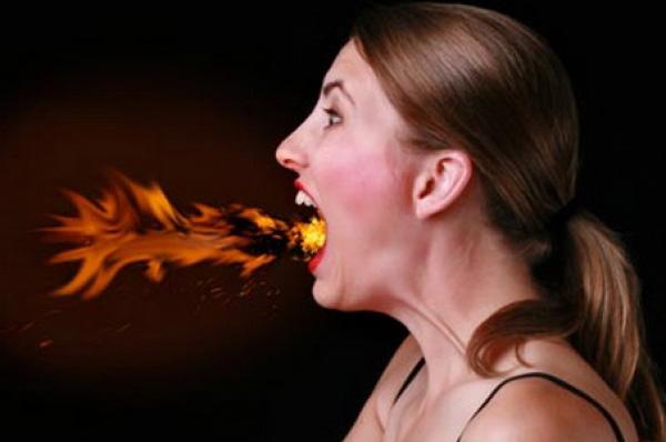 Bốc hoả là triệu chứng thường gặp của phụ nữ thời kỳ mãn kinh( Ảnh minh hoạ)