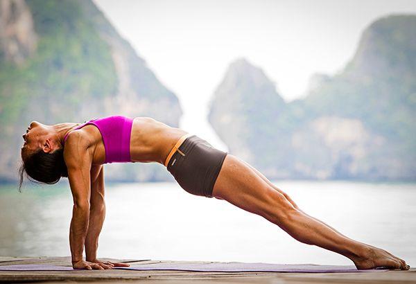 Tập yoga hàng tuần giúp giảm thiểu các cơn bốc hỏa đến 30%