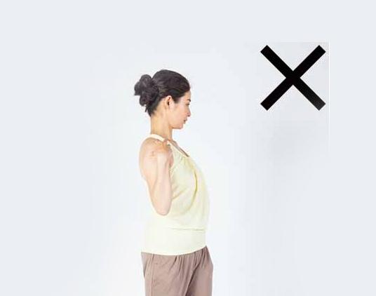 Một số động tác tại bàn giúp giảm đau vai gáy 3